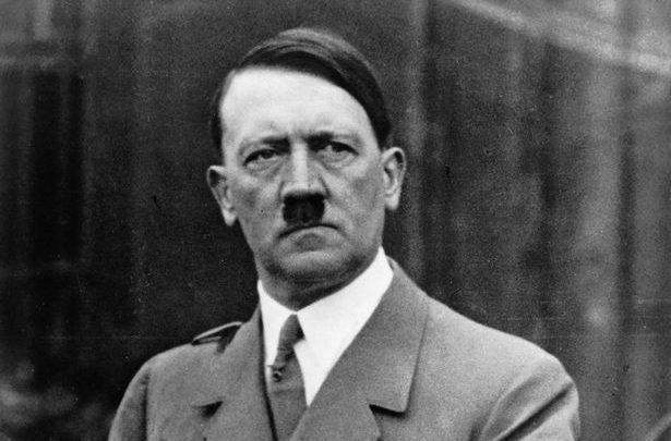 من هو أدولف هتلر